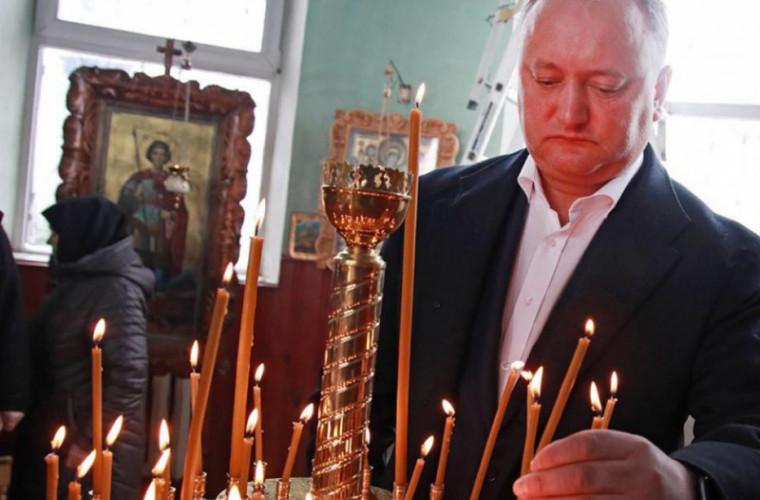 Igor Dodon i-a felicitat pe moldoveni cu ocazia Sfinților Apostoli Petru și Pavel
