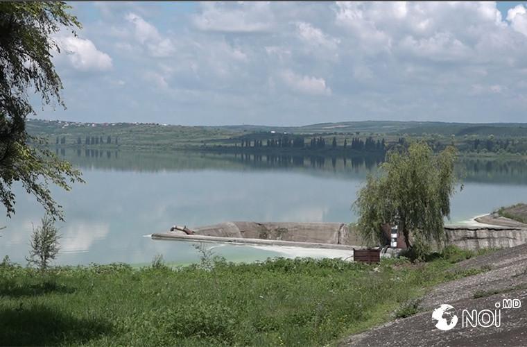 Ecologii bat alarma! Lacul Ghidighici, în pragul unei catastrofe (VIDEO, FOTO)
