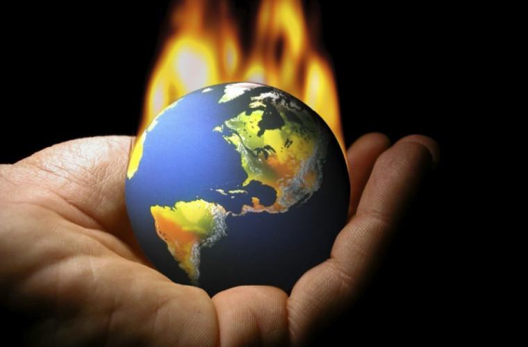 trump-nu-mai-considera-schimbarile-climatice-drept-o-quotfarsaquot