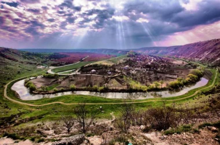 Moldovenii – temelia ţării