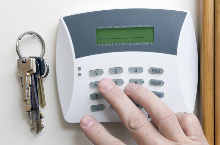 Ce garanții îți oferă un sistem de alarmă