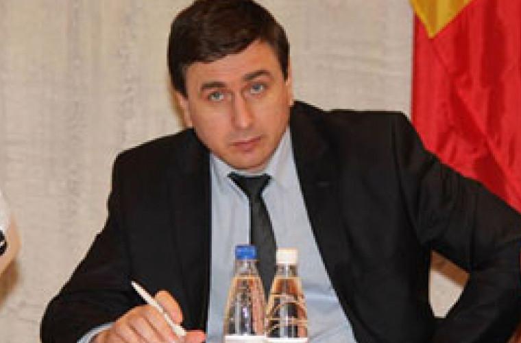 Declarație: Fluxurile anuale nelegale de capital în şi din Moldova depăşeşte un miliard de dolari