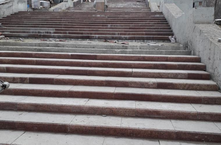 """La ce etapă se află reconstrucția scărilor de la """"Valea Morilor"""" (FOTO)"""