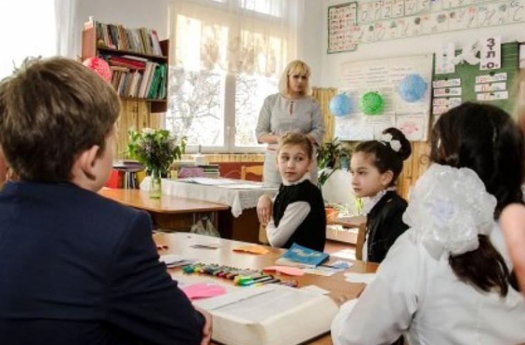 În școlile din stînga Nistrului sînt promovate valorile naționale