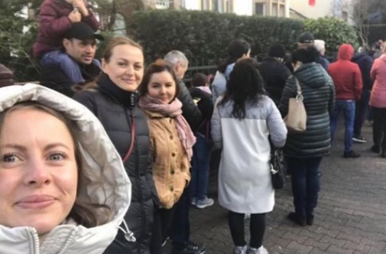 Diaspora votează: Cozi mari la Consulatul din Frankfurt