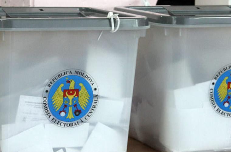 Doi miri şi-au exprimat dreptul de vot chiar în ziua nunţii (FOTO)