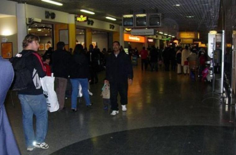 Trei bombe au fost găsite în două aeroporturi şi într-o gară din Londra