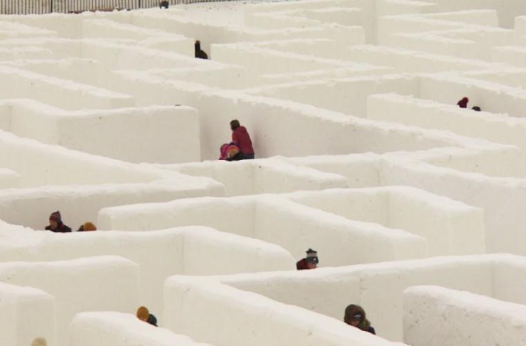 Cel mai mare labirint de zăpadă, construit în Canada