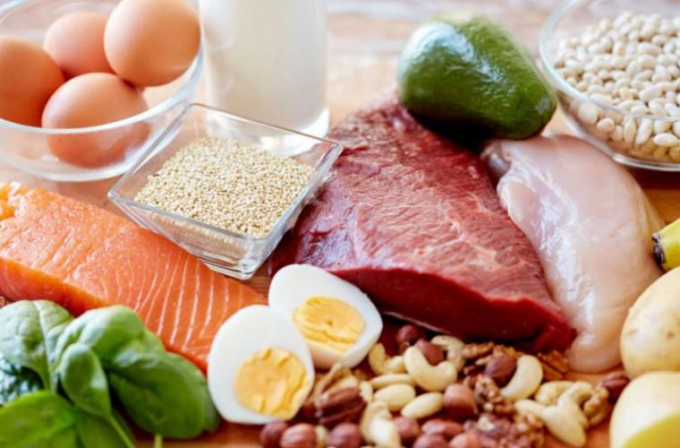 Deficit de proteine: 6 semne că nu consumi suficiente
