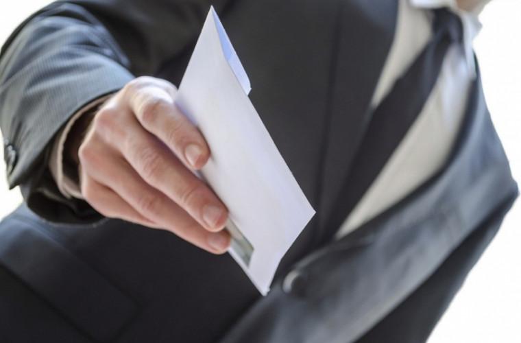 """Expert despre motivul care îi face pe angajatori să dea """"salarii în plic"""""""