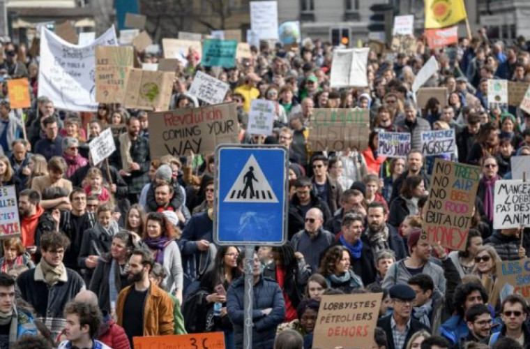 Proteste în mai multe oraşe din Elveţia