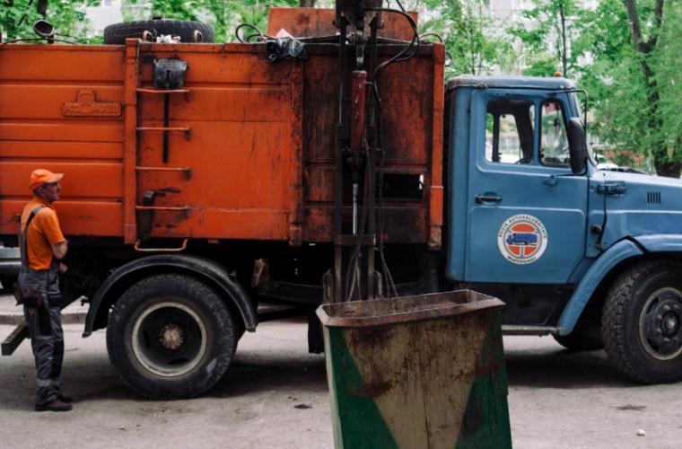 Mașinile care salubrizează Chișinăul vor putea fi urmărite prin GPS