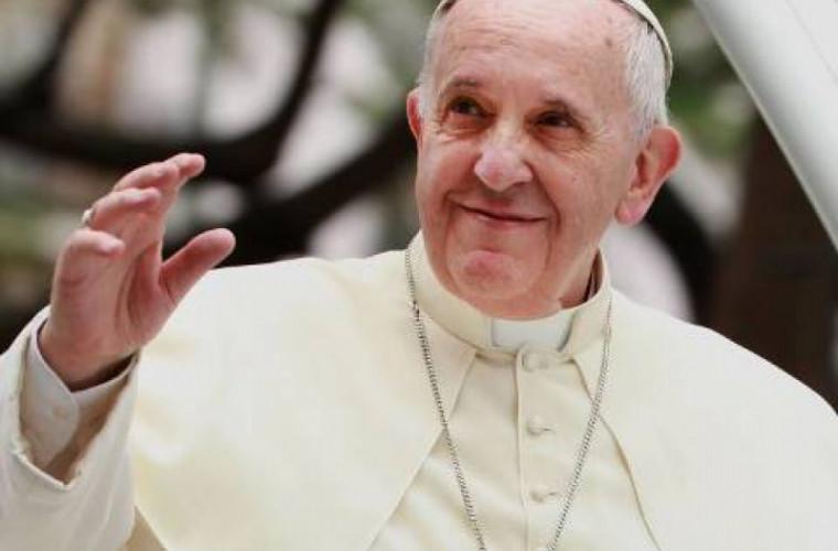 Gestul făcut de Papa Francis față de 12 deținuți