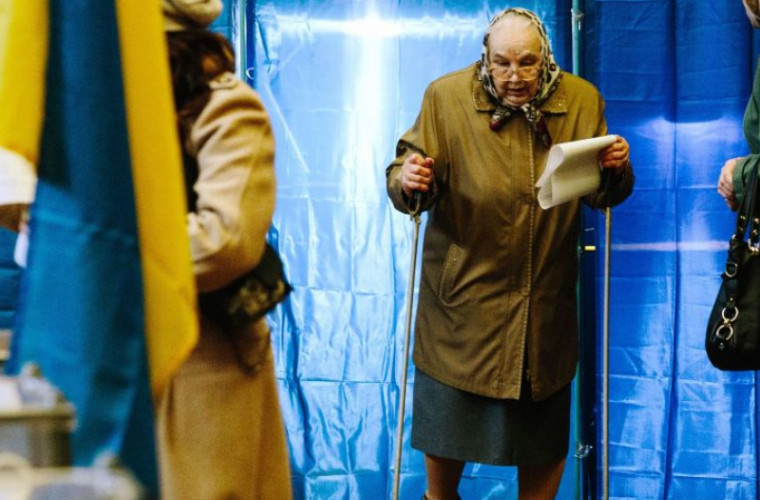Prezenţă înaltă a alegătorilor în scrutinul prezidenţial, la Kiev