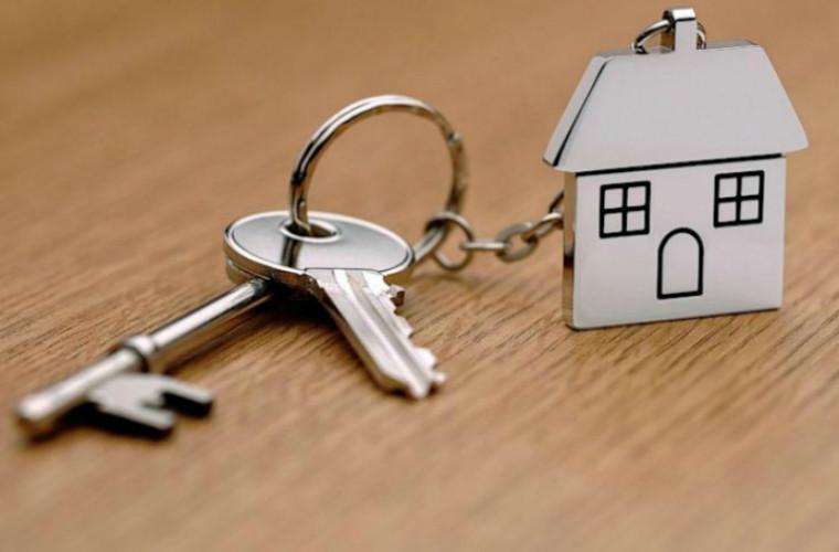 Mii de persoane continuă să dea ilegal în chirie bunuri imobile