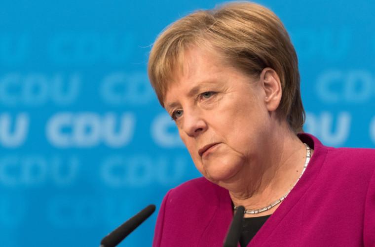 """Merkel """"se desparte"""" definitiv de politică"""