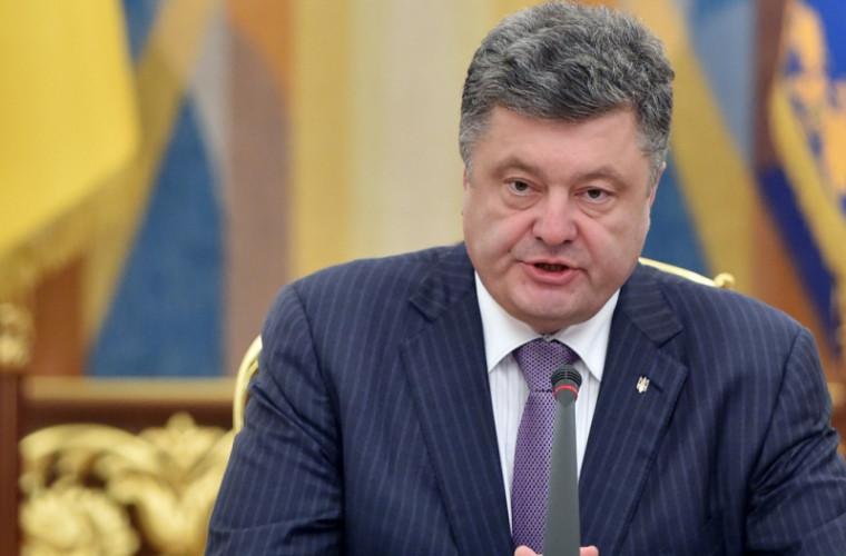 Fostul șef al protocolului: ucrainenilor le era rușine de aspectul neglijent al lui Poroșenko