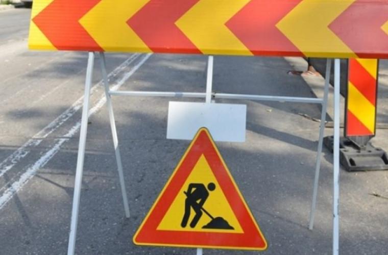 quottehnologiequot-moldoveneasca-drumuri-reparate-pe-timp-de-ploaie-video