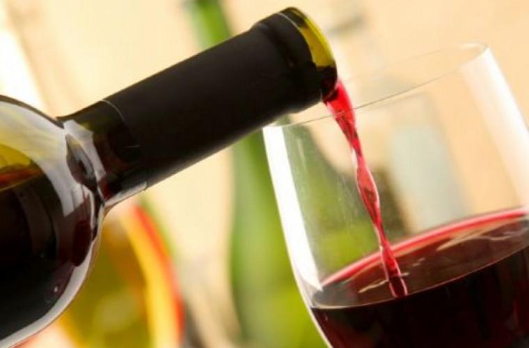 Structurilor de stat din Rusia li s-a interzis cumpărarea vinurilor străine