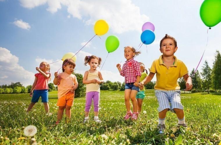 De ziua lor, copiii vor primi dulciuri şi îngheţată gratis