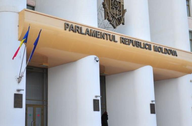 Parlamentul are un nou secretar general