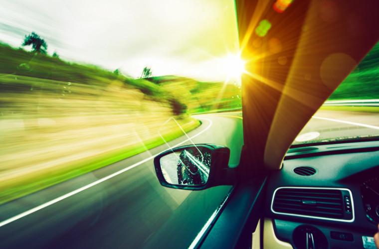Zile caniculare. Recomandările INP pentru șoferii care pornesc la drum