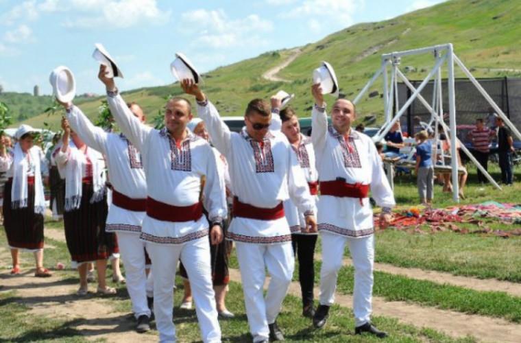 """La Domulgeni s-a desfăşurat Festivalul """"Duminica Mare"""""""