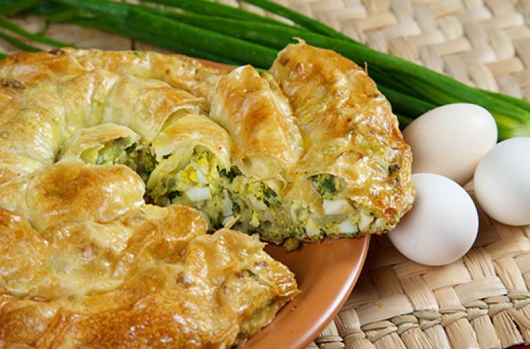 REŢETA ZILEI: Învîrtită cu ou şi ceapă verde