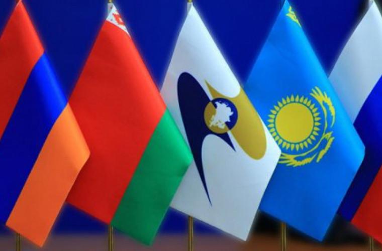 Dodon: Guvernul trebuie să participe în calitate de observator la ședințele Uniunii Eurasiatice