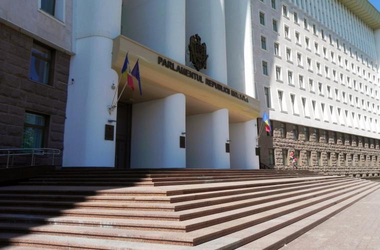 Inițiativa PD de modificare a Constituției, respinsă de Comisia juridică
