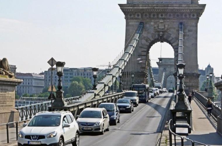 Familiile numeroase din Ungaria pot cumpăra maşini cu subvenţii de la Guvern