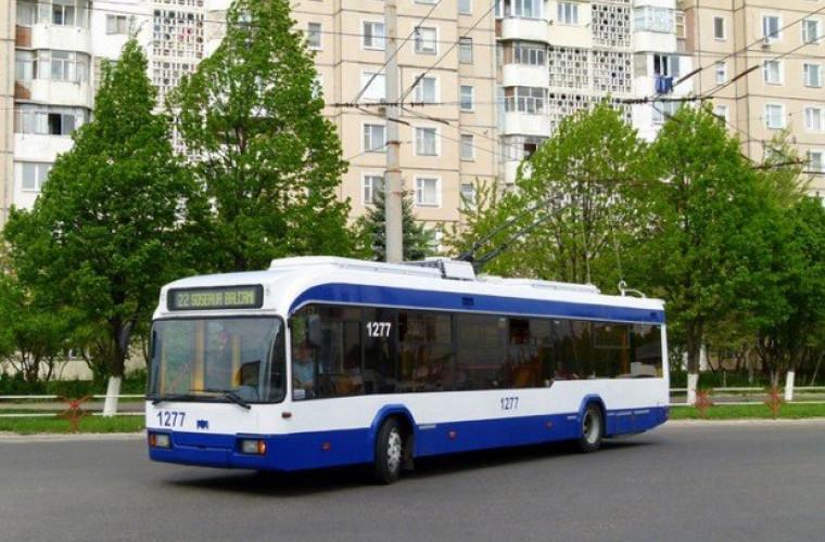 Atenţie, moldoveni! Ce puteţi păţi în timp ce călătoriţi cu troleibuzul