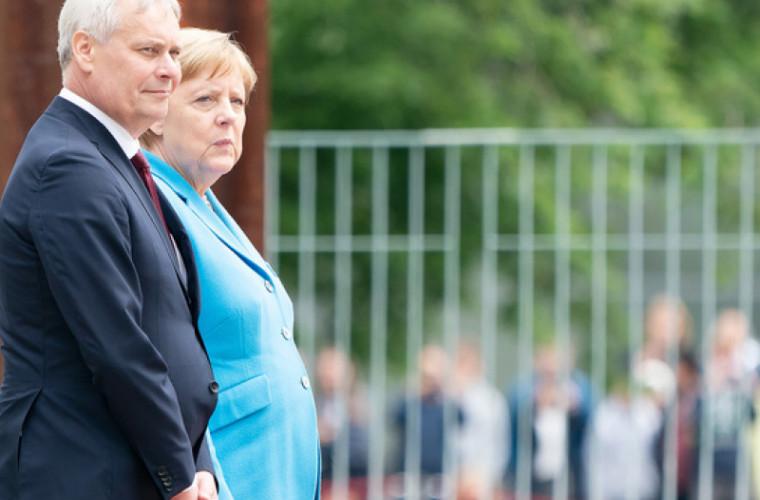 Merkel, văzută tremurînd necontrolat pentru a treia oară în ultimele săptămîni