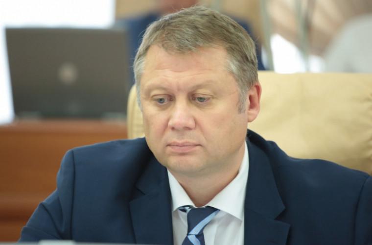 """Brînzan, chemat la Parlament să dea explicații privind programul """"Drumuri bune"""""""