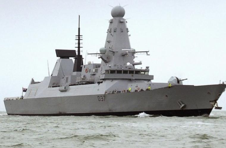 Marea Britanie trimite un distrugător în Golf