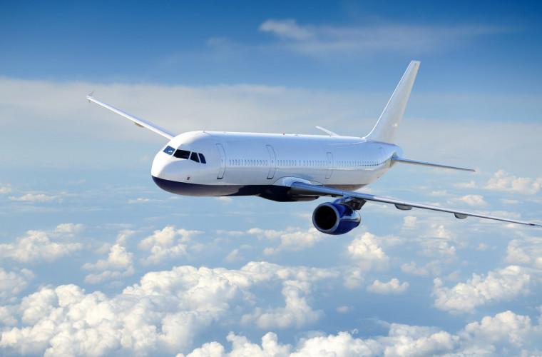 Panică la bordul unui avion care zbura spre Chișinău: A aterizat cu un motor