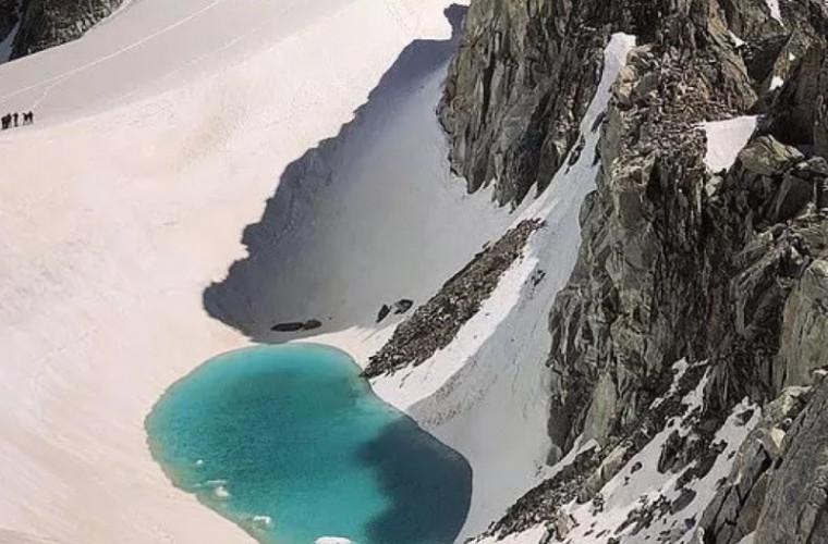 În vîrful munților Alpi s-a format un lac. Căldura extremă topeşte omătul