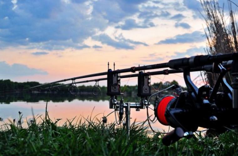 Mai mulți moldoveni au rămas fără peștele prins și s-au ales cu amenzi