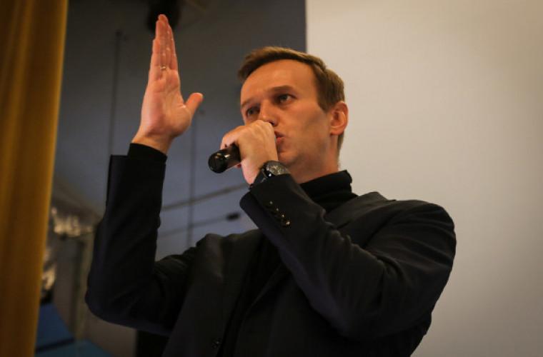 Navalnîi ar fi fost otrăvit cu o substanță chimică neidentificată, suspectează doctorul său