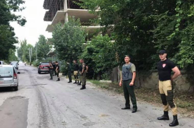 Protest în Chişinău față de construcția unei clădiri multietajate (VIDEO)