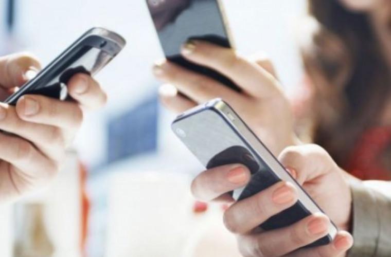Cît timp poţi folosi telefonul fără riscul că te vei îngrăşa