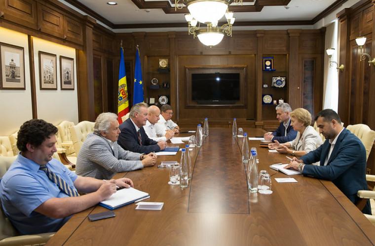 Zinaida Greceanîi s-a întîlnit cu şefia Confederației Naționale a Patronatului din Moldova