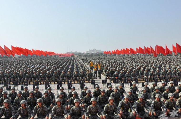 Armata chineză: Putem ajunge în 10 minute unde-s noi proteste masive