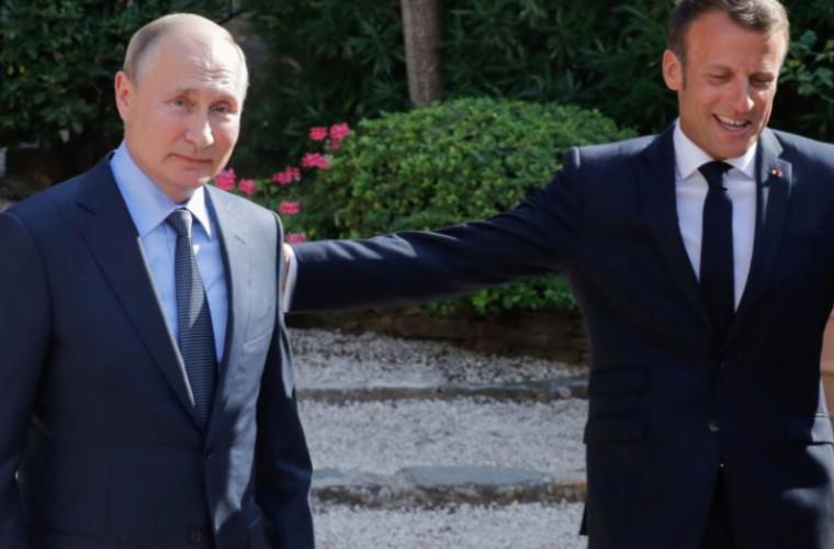 Politicienii ucraineni, nemulțumiți de postarea lui Macron în limba rusă