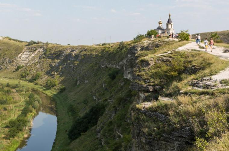 Tot mai mulți turiști aleg să viziteze Moldova