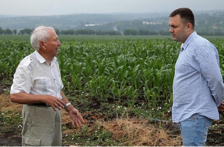 """Experimente nucleare în agricultură! Regizorul Dragoș Turea ne dezvăluie secretele """"Grădinii sovietice"""""""