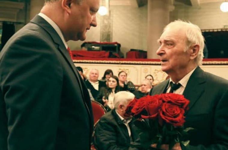 Igor Dodon l-a felicitat pe Ion Druţă cu ocazia zilei de naştere