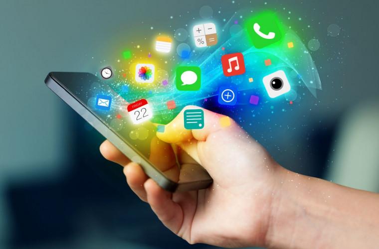 Moldovenii folosesc tot mai mult internetul mobil