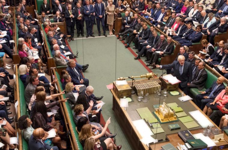 Parlamentul britanic, suspendat pentru 5 săptămîni