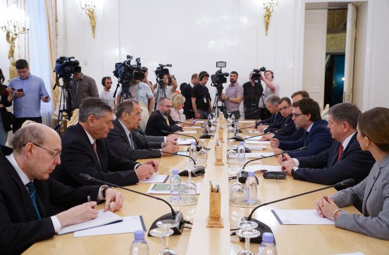Что сказал Лавров в начале встречи с Попеску?